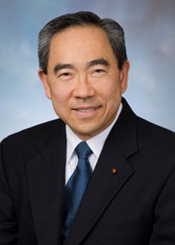 Kenneth Moritsugu profile headshot