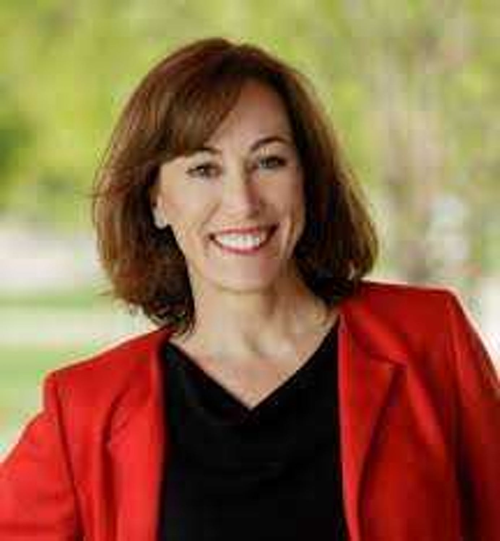 Janine Davidson profile headshot