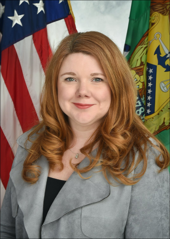 Amy Edwards profile headshot