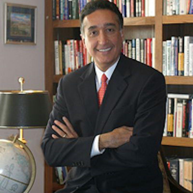 Henry Cisneros headshot