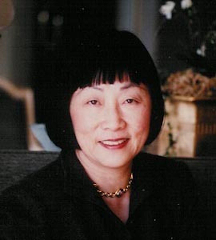 Julia Bloch profile headshot