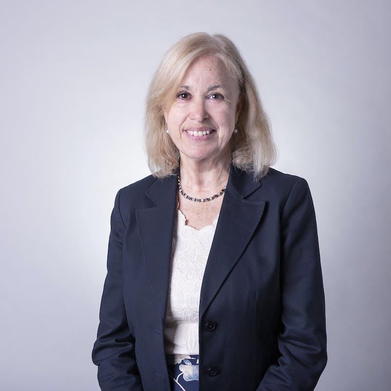 Lisa Blomgren Amsler headshot