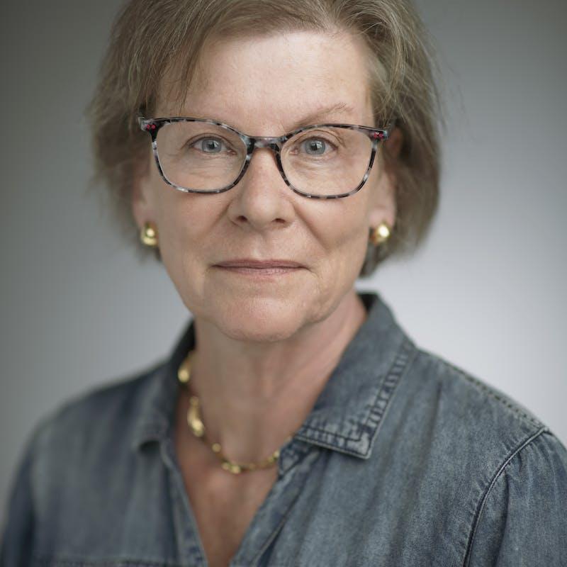 Susan Offutt headshot