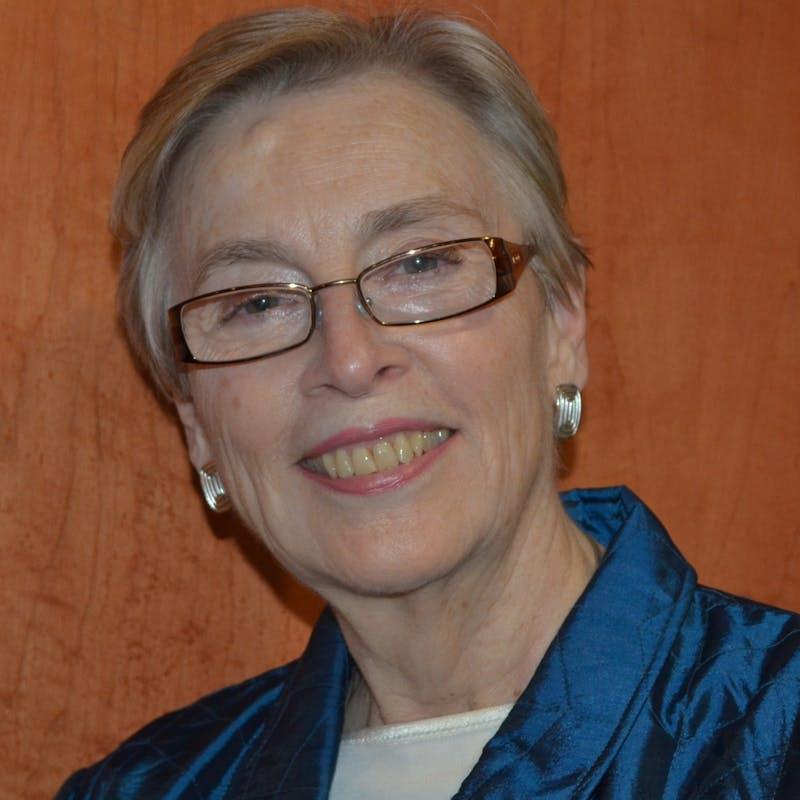 Nancy Tate headshot